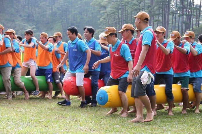 Dong Phuc Team Building Ao Luoi Chia Doi