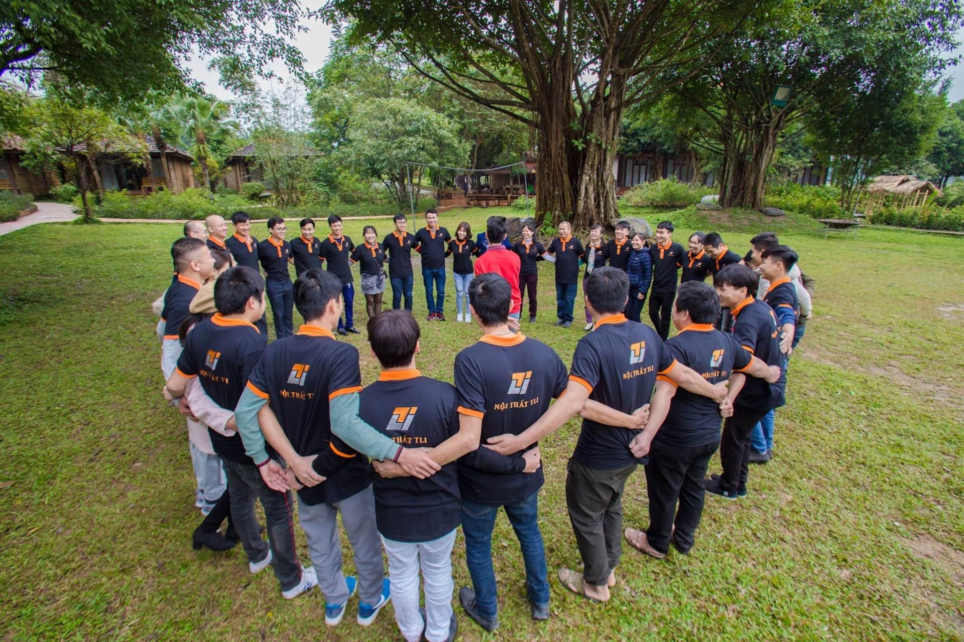 May Dong Phuc Team Building