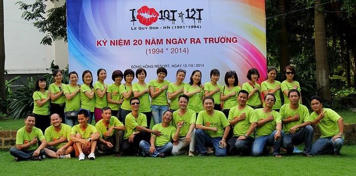 Mau Ao Ky Niem 20 Nam Ra Truong