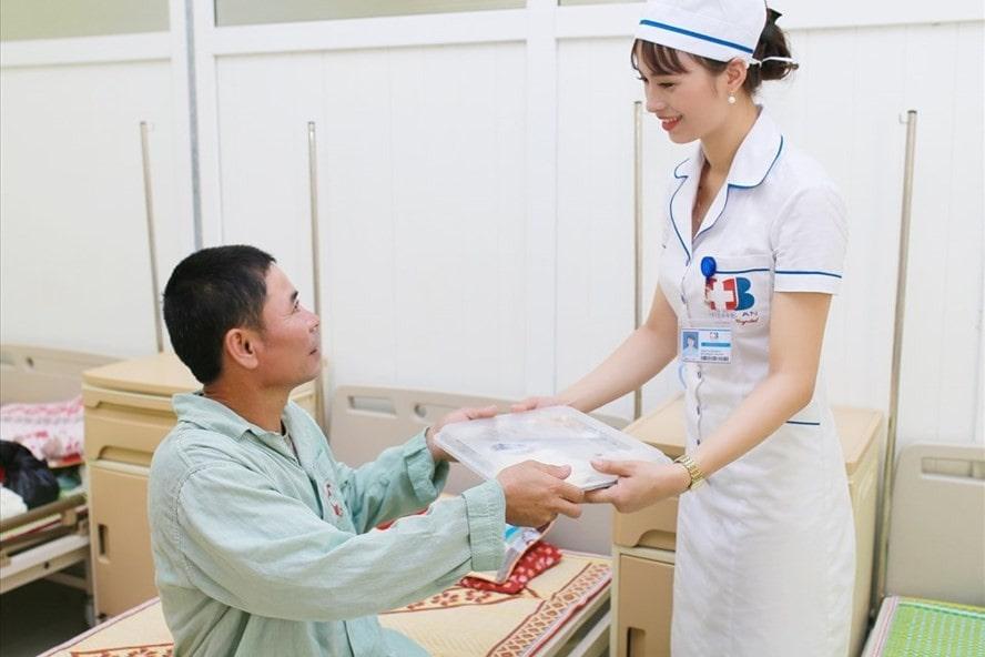May Dong Phuc Benh Nhan De Lam Gi